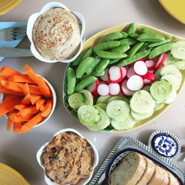 The Easiest and Best Hummus